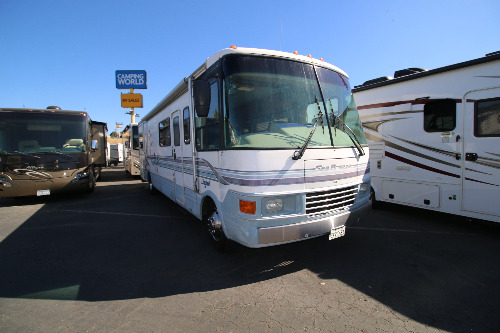 Exterior : 1998-NATIONAL RV-1330 LIMITED (FORD)