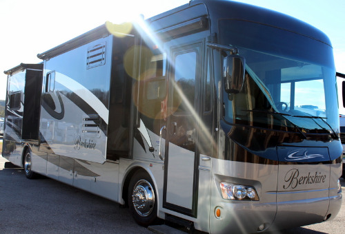 Exterior : 2011-FOREST RIVER-M-390RB