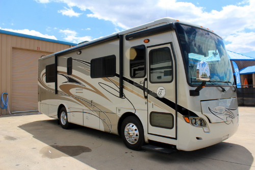 Exterior : 2012-TIFFIN-BREEZE 28BR
