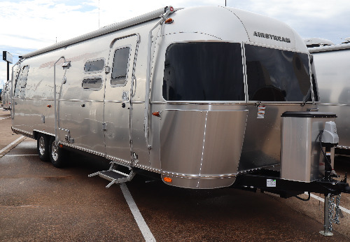 Exterior : 2019-AIRSTREAM-30RB QUEEN