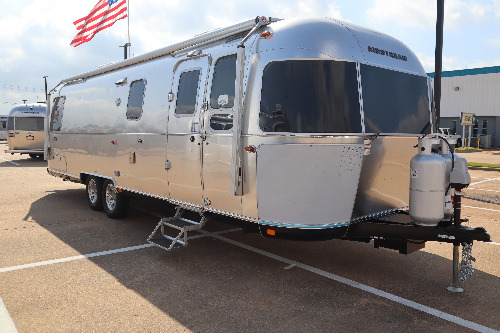 Exterior : 2020-AIRSTREAM-30RB TWIN