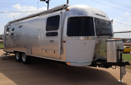 Exterior : 2020-AIRSTREAM-27FB TWIN