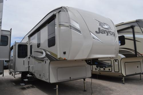 Bedroom : 2018-JAYCO-325BHQS