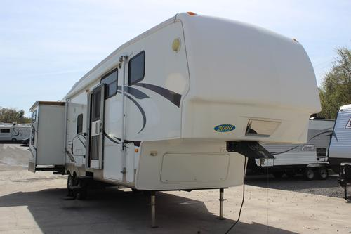Used 2009 Keystone Mountaineer 332 PHT Fifth Wheel For Sale