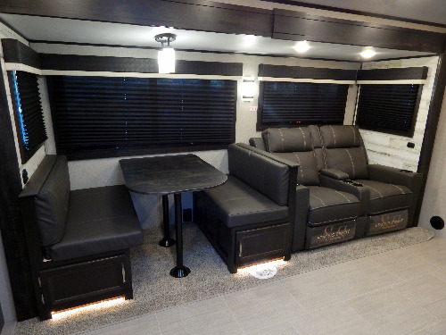 Living Room : 2020-JAYCO-26RK
