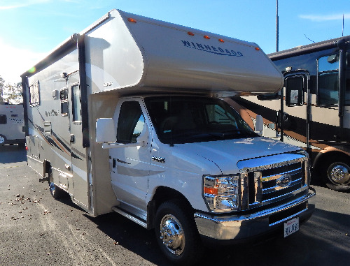 Bedroom : 2016-WINNEBAGO-22R