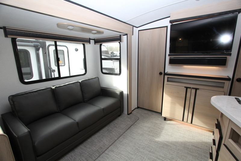 2021 Cruiser RV 28qd