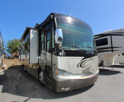 Exterior : 2011-TIFFIN-36QSH