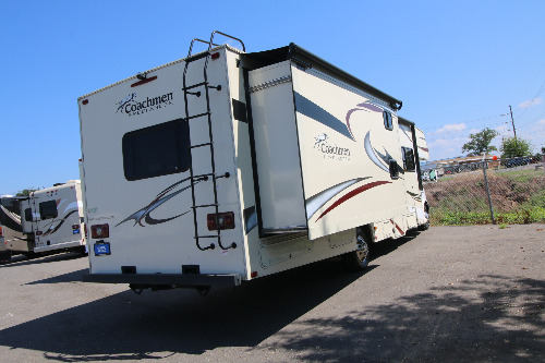 Floor Plan : 2015-COACHMEN-32BH