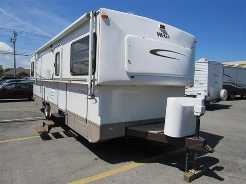 Used 2005 Hi Lo Classic M-3105C Travel Trailer For Sale