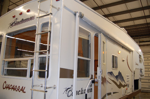 Exterior : 2006-COACHMEN-277DS
