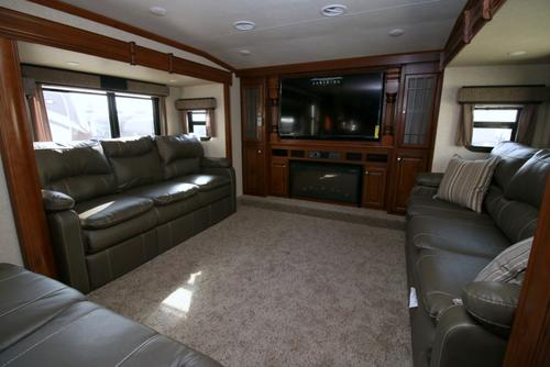 2016 Heartland Bighorn 3750fl Camping World Of Omaha 1249824