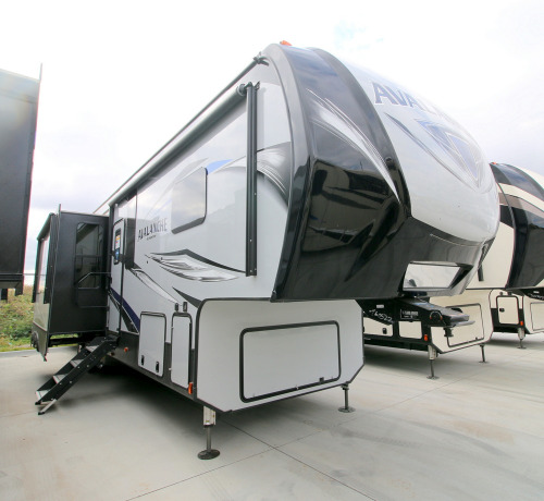 Camping World Council Bluffs >> Keystone Avalanche 396BH RVs for Sale - Camping World RV Sales