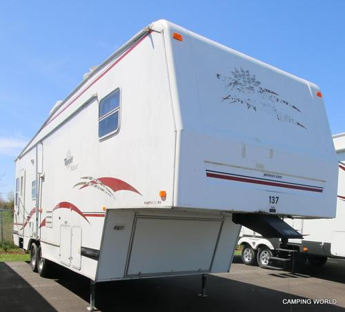 Used 2001 Fleetwood Terry 30-5G Fifth Wheel For Sale