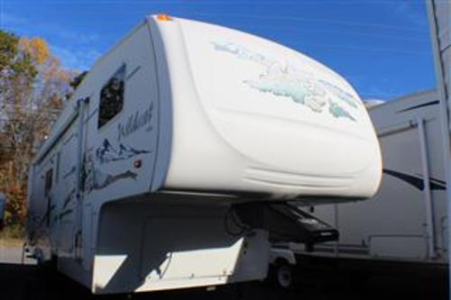 Used 2005 Forest River Wildcat 27BHWB Fifth Wheel For Sale