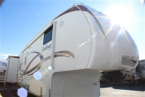 Used 2009 Keystone Challenger 30TRL Fifth Wheel For Sale