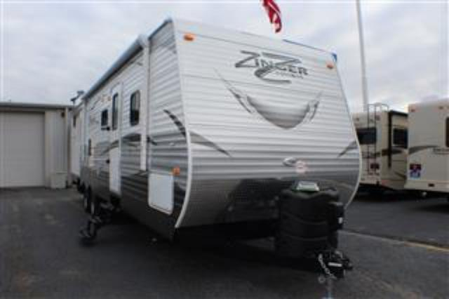 2017 Travel Trailer Crossroads Zinger