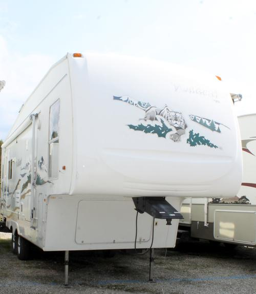 Used 2005 Forest River Wildcat 29RLBS Fifth Wheel For Sale