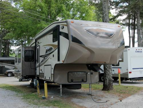Used 2013 Crossroads Cruiser 335SS Fifth Wheel For Sale