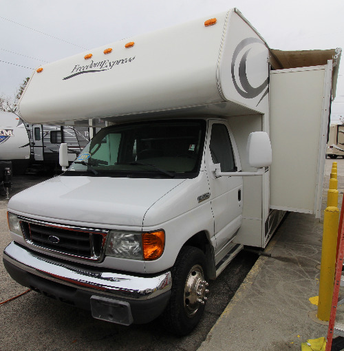 Exterior : 2008-COACHMEN-31IS