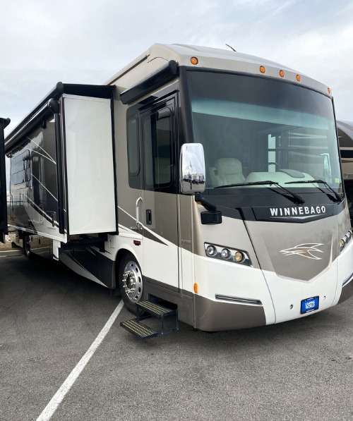 RV : 2015-WINNEBAGO-40R
