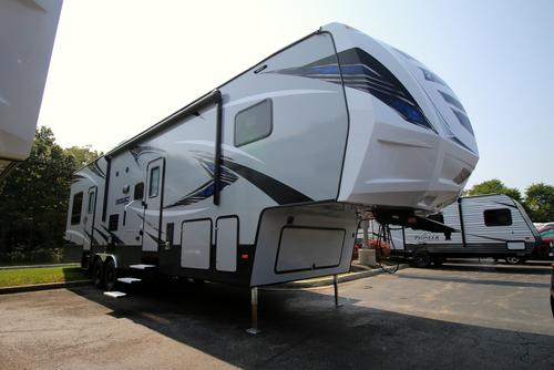 Camping World Council Bluffs >> New or Used Toyhauler Campers For Sale - RVs near Council Bluffs