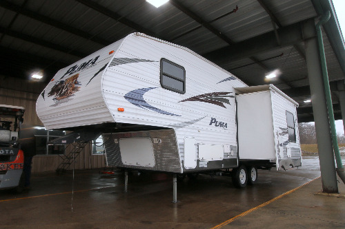 RV : 2010-FOREST RIVER-253FBS