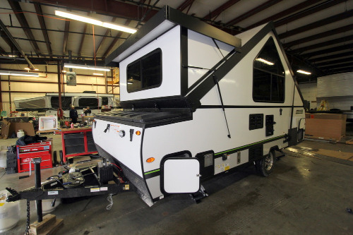RV : 2019-FOREST RIVER-A213HW
