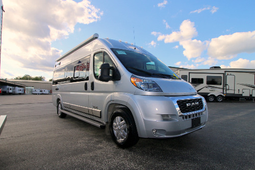 RV : 2020-WINNEBAGO-59G