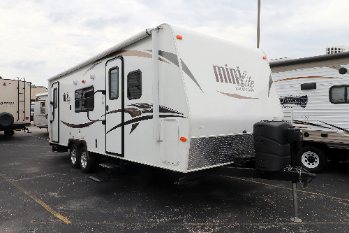 RV : 2015-FOREST RIVER-2503S
