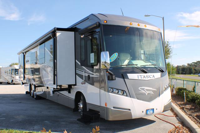 Buy a Used Itasca Meridian in Bartow, FL.