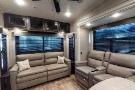 Living Room : 2019-JAYCO-317RLOK