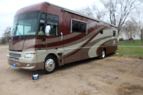 Bathroom : 2007-WINNEBAGO-38J