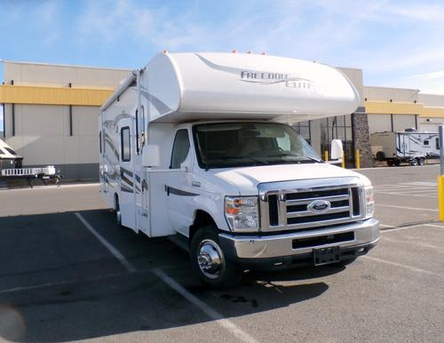 2012 THOR MOTOR COACH Freedom Elite