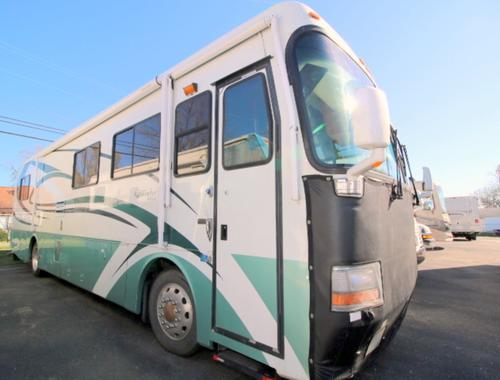 Used 2000 Monaco Windsor 38 SLIDE Class A - Diesel For Sale