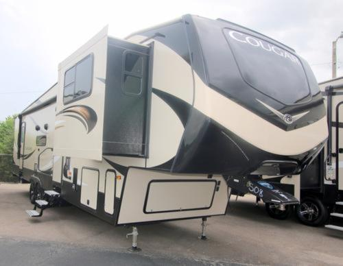 Fifth Wheel Front Living Rvs For Sale Camping World Hkr