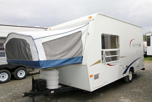 Used 2005 Jayco Jayfeather 18F Travel Trailer For Sale