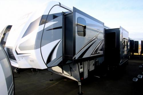 New Or Used Toyhauler Campers For Sale