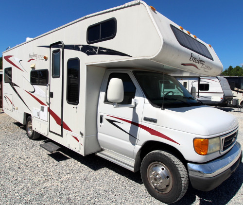 Exterior : 2008-COACHMEN-2600SO