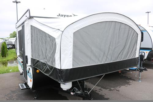 Bedroom : 2018-JAYCO-10SD