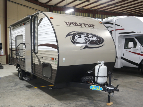 Exterior : 2015-FOREST RIVER-WOLF PUP 16FQ