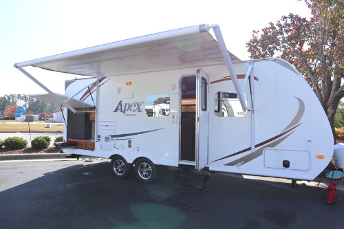Exterior : 2013-COACHMEN-214RB