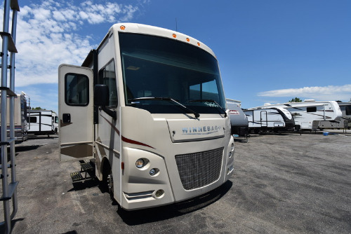 RV : 2017-WINNEBAGO-31KE