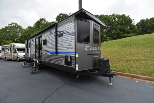 RV : 2019-COACHMEN-33FKDS