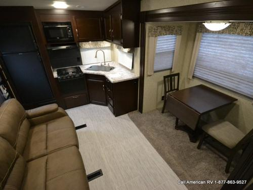 Bathroom : 2017-WINNEBAGO-25RKS
