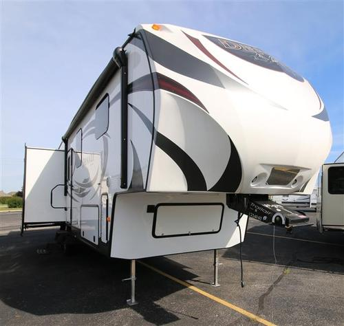 Used 2014 Dutchmen Denali 319RLS Fifth Wheel For Sale