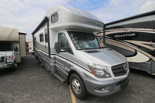 RV : 2019-WINNEBAGO-24V