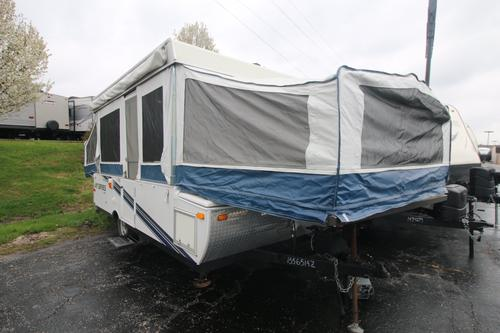 Bedroom : 2010-JAYCO-1206