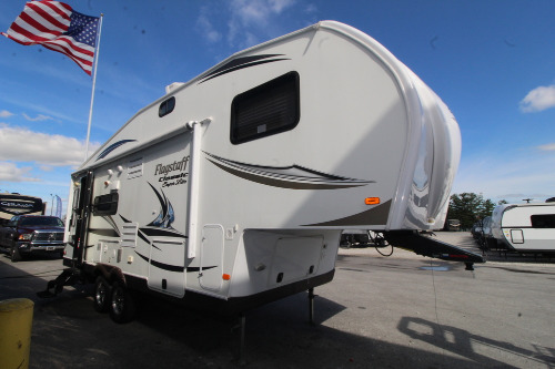 Exterior : 2014-FOREST RIVER-8524RLWS