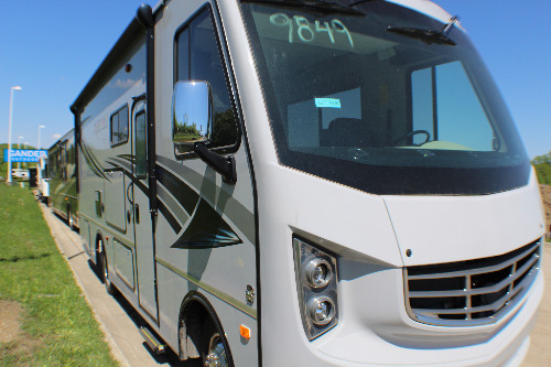Exterior : 2018-HOLIDAY RAMBLER-25S